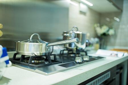 厨房锅具图片