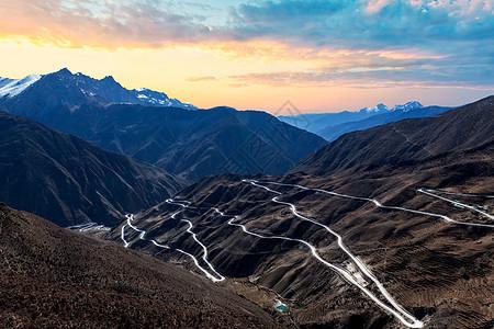 怒江72拐318国道川藏线七十二拐图片