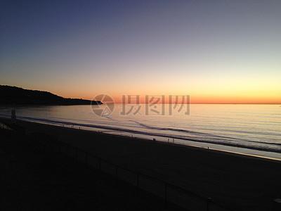 夕阳海滩图片
