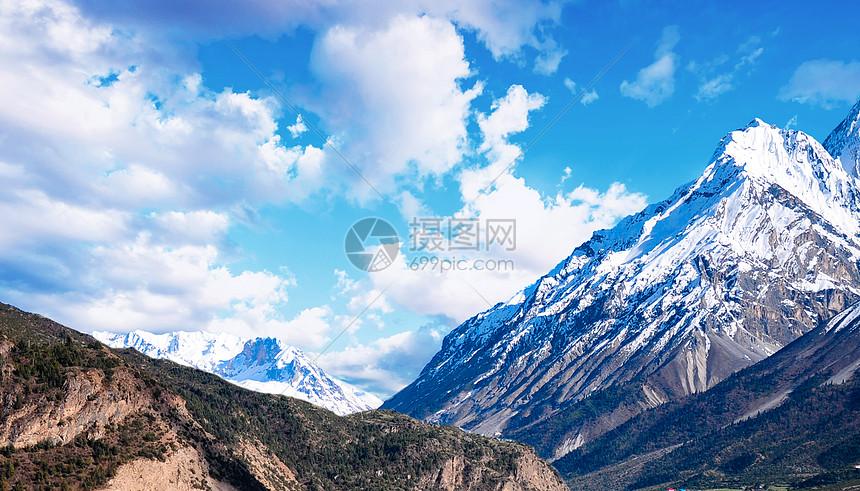 四川四姑娘雪山图片