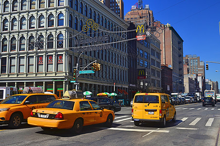 美国纽约街道黄色计程车图片