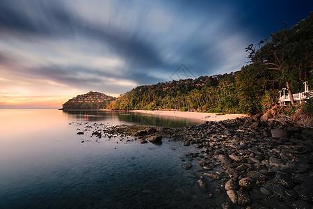 夕阳下的海岛风景图片