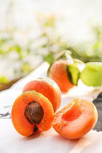 夏日水果诱人多汁杏图片