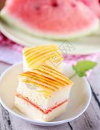 香甜可口的奶油蛋糕图片