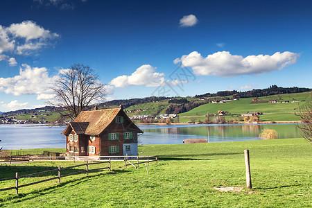 欧洲湖边小屋图片