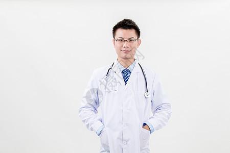 专业医生白大褂白底半身照图片
