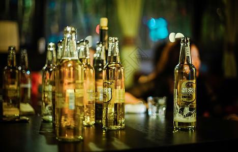 夜啤酒图片