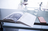 简约安静的阅读环境图片