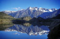 川藏线然乌湖图片
