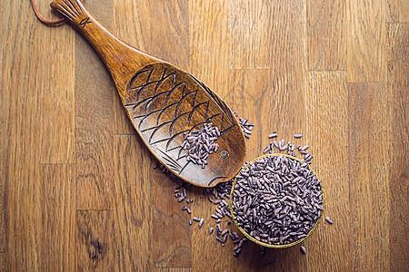 紫米与木器静物陈列展示图片