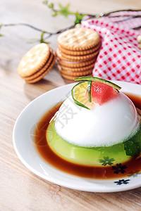 夏季美食甜品水信布丁配饼干图片