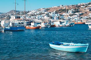 爱琴海的小船图片
