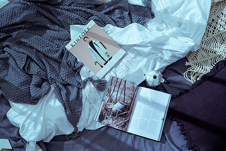 欧美系杂志和布料背景图片
