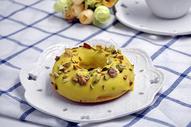 健康美味凤梨开心果甜甜圈图片