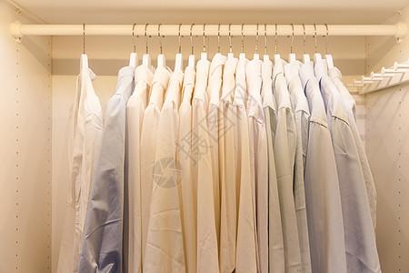 家居衣柜挂商业正装衬衣图片