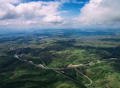 草原天路航拍大草原公路图片
