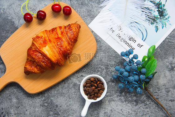 牛角面包营养早餐图片