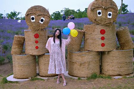 上海莫斯利安百草园拿气球的美女图片