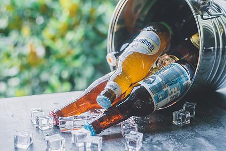 夏日冰爽啤酒图片