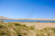 青海湖二郎剑金沙湾湖沙图片