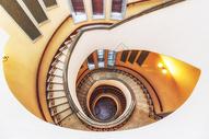 贝公馆旋梯图片