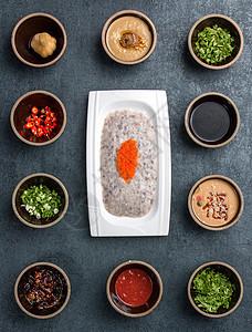 火锅食材虾滑与毛肚图片