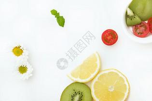 切开新鲜水果创意平铺摄影图片