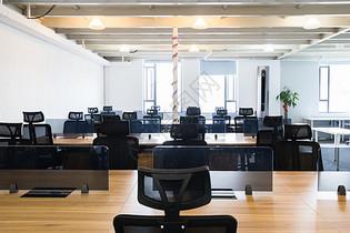 等待入驻的互联网创业办公室空间图片