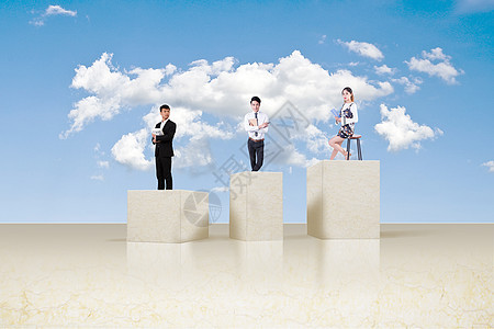 站在云层高处看书的人图片