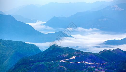 山顶云海图片