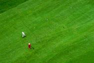 打高尔夫图片