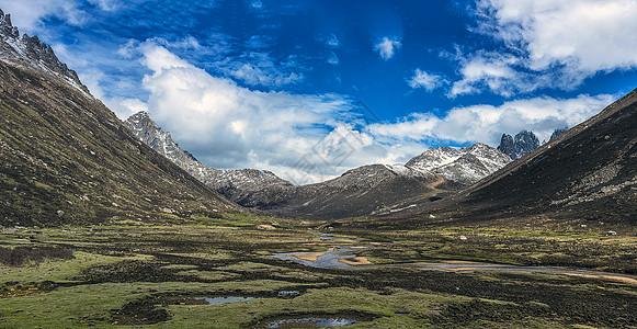 高原山脉河流风光全景图片