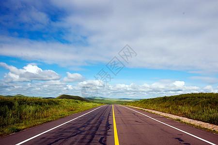 呼伦贝尔草原之路图片
