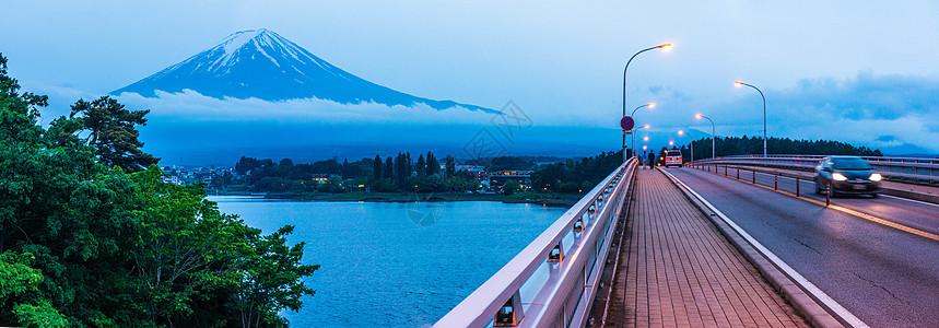 富士山下图片