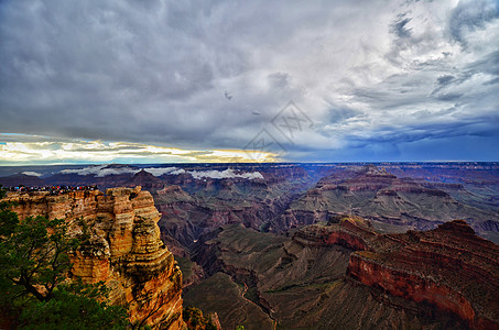 暴雨前的美国大峡谷图片