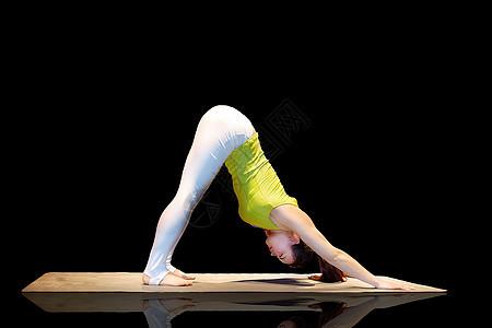 全国瑜伽比赛高手图片