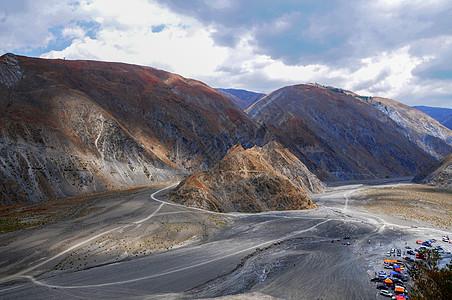 险峻的山谷图片
