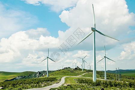 草原风力发电图片