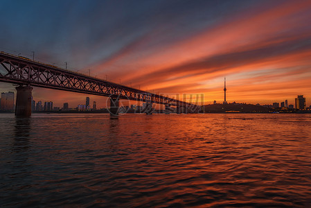 武汉长江大桥日暮美景图片