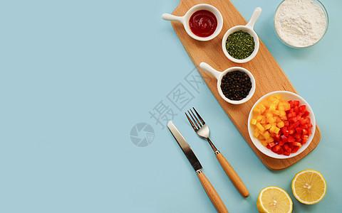 餐桌上的诱人食材图片