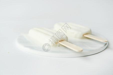 夏日牛奶雪糕图片