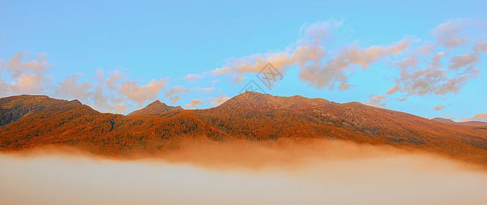 山峦秋色图片