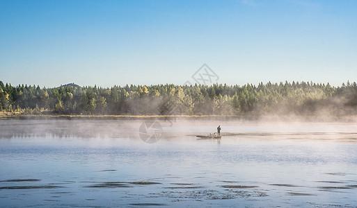 日出捕鱼图片