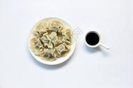 水饺白底背景静物素材图片