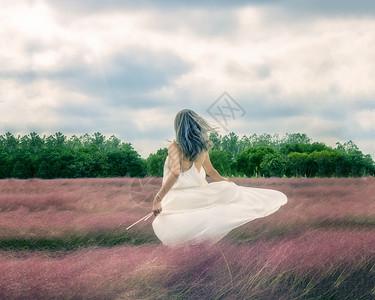 白色连衣裙唯美人物图片