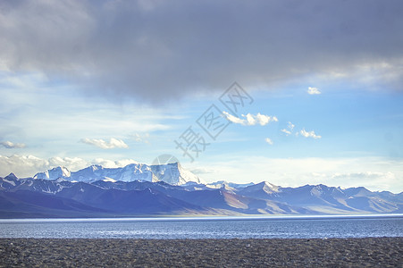 西藏拉萨纳木错湖雪山图片