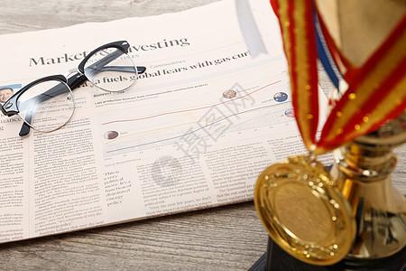 奖杯奖牌静物组合图片