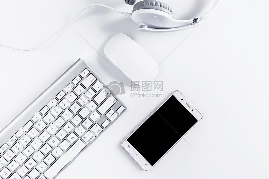 办公鼠标键盘手机桌面图片
