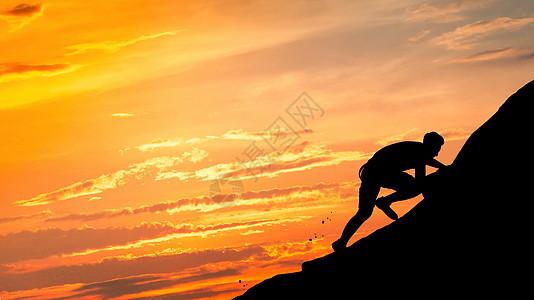 攀登的人图片