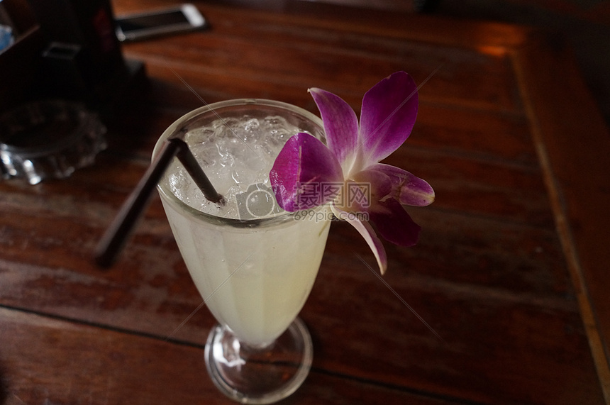 热带果汁图片